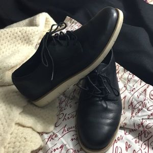 Timberland Lakeville Oxford black with wht. Sole